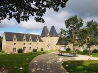 gite La Chapelle Chaussée Manoir de Pleac Gite Le Chene