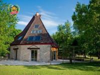 gite Trespoux Rassiels House La maison des contes 1