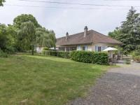 gite Onlay Alluring Holiday Home in Cuzy with Swimming Pool