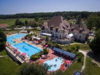 gite Latrape Vakantiepark Chateau Cazaleres