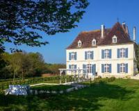 gite Saint Géry Douville Chateau Sleeps 12 with Pool and WiFi