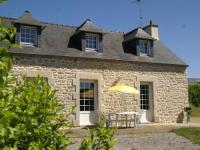 gite Coray Quaint Holiday Home in Elliant France With Garden