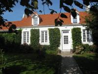 Stunning Holiday Home in Escalles near Sea-Les-Tilleuls