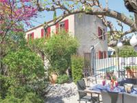 gite Eyguières Three-Bedroom Holiday home Eyragues with a Fireplace 01