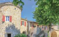 gite Privas Three-Bedroom Holiday Home in Flaviac