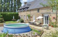 gite Mortain Seven-Bedroom Holiday Home in Fougerolles du Plessis
