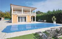 gite Grasse Five-Bedroom Holiday Home in Frejus
