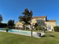 gite Faleyras Cozy Holiday Home in Frontenac with Private Pool
