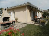 Location de vacances Gaillan en Médoc House Gite les rhododendrons