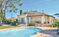 gite Martigues Three-Bedroom Holiday Home in Gignac La Nerthe