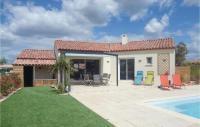 gite Siran Stunning home in Ginestas w Outdoor swimming pool, Outdoor swimming pool and 3 Bedrooms