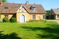 Gite Dreux House with 4 bedrooms in Grandchamp with enclosed garden