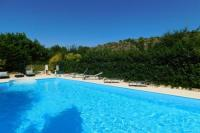 gite Berzème Relaxation and relaxation guaranteed in this magnificent home.