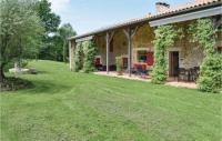 gite Fargues sur Ourbise Beautiful home in Ste Gemme Martaillac w WiFi, Outdoor swimming pool and Heated swimming pool