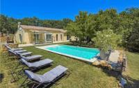 gite Teyssières Five-Bedroom Holiday Home in Grignan