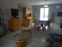 gite Saint Xandre House Confortable villa dans quartier residentiel calme 1