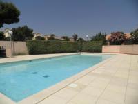 gite Roquefort des Corbières maison de vacances dans une residence securisée avec parking et piscine ouverte du 15 juin au 15 septembre