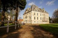 gite Broxeele Hallines Chateau Sleeps 26 WiFi
