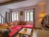 Charming Holiday Home in Vireux-Wallerand with Terrace-Gite-Lavendin-Group