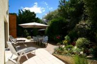 gite Civrac en Médoc Very comfortable house steps from the beach with garden and terrace