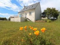 gite Guiler sur Goyen HOUSE 7 personnes A 500m de la plage du Teven, maison de type 4 dans quartier résidentiel.