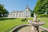 gite Les Ormes Jaulnay Chateau Sleeps 14 Pool WiFi