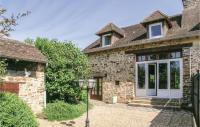 gite Saint Mesmin Stunning home in Jumilhac-le-Grand w WiFi, Outdoor swimming pool and 2 Bedrooms