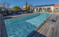 gite Ménerbes Awesome home in L'Isle sur la Sorgue w Outdoor swimming pool, WiFi and Outdoor swimming pool