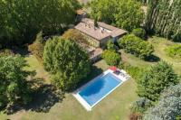 gite Plan d'Orgon L'Isle-sur-la-Sorgue Chateau Sleeps 15 with Pool Air Con and WiFi