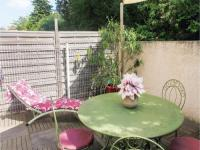 gite Saumane de Vaucluse Two-Bedroom Holiday Home in L'lsle sur Sorgue