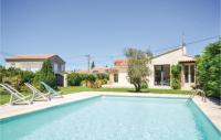 gite Noves Two-Bedroom Holiday home L'Isle sur la Sorgue with a Fireplace 08