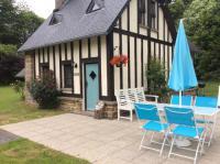 Location de vacances Le Gast La Petite Maison May