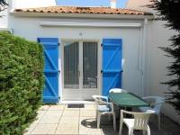 gite Sainte Radégonde des Noyers House Agreable maisonnette proche de la plage, pour quatre personnes maximum à la faute sur mer, sud vendée, micro-climat. 2