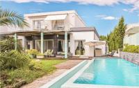 gite Aigues Mortes Stunning home in La Grande Motte w Internet, Outdoor swimming pool and 4 Bedrooms