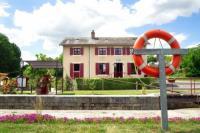 gite Châteauneuf sur Sarthe MARA RIVIERE La Jaille Yvon