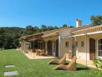 gite Le Plan de la Tour La Mole Villa Sleeps 6 Pool Air Con WiFi