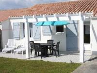 gite Grosbreuil House Imp de brazza - pavillon avec jardin clos 1