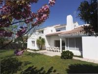 gite Aizenay House Villa avec jardin - type 6 -terrasse - garage - pironniere