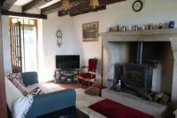 gite Masléon 3 bedroom house set in stunning location in central France