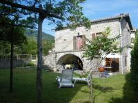 Cozy Holiday Home in La Souche by Le Lignon River-Brisecagnotte