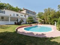 gite Saint Papoul Garden-View Castle in La Bastide D'anjou with Sauna