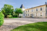 gite Galgon Lagorce Chateau Sleeps 20 Pool WiFi