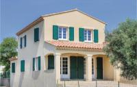 gite Saint Martin de Crau Three-Bedroom Holiday Home in Lancon de Provence