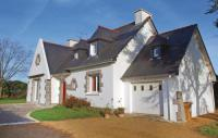 gite Coatréven Amazing home in Lanloup w WiFi and 3 Bedrooms
