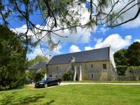 Cosy Holiday Home in Lantheuil with Garden-La-Grange-Du-Chateau