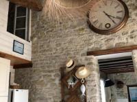 gite Le Givre HOUSE 5 personnes MAISON DE PIERRES A 8 KM DES PLAGES - LE BERNARD.