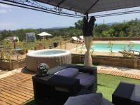 gite Sainte Maxime mazet 30 m2 2pers bb et lit sup spa piscine karaoke