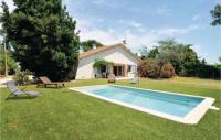 gite Arles Four-Bedroom Holiday Home in Le Sambuc