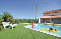gite Saint Rémy de Provence Six-Bedroom Holiday Home in Le Sambuc