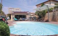gite Saint Rémy de Provence Beautiful home in Les Angles Font d'Irac w WiFi, Outdoor swimming pool and 1 Bedrooms